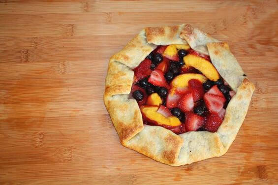 10-min-rustic-fruit-galette