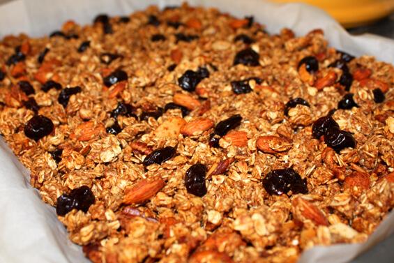 crunchy-granola-baking-pan