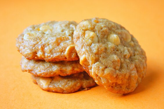 oatmeal-apricot-wc-cookies