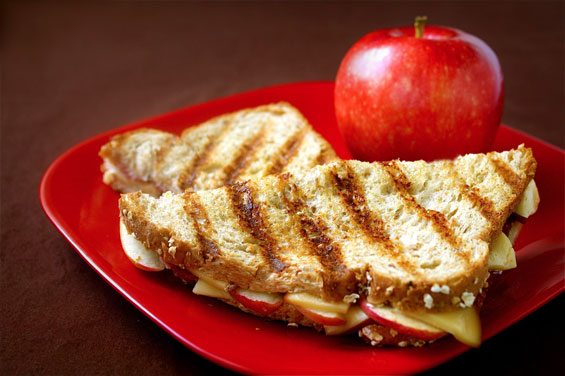 Smoked Gouda Grilled Cheese with Apples and Bacon {Gimme Some Oven}