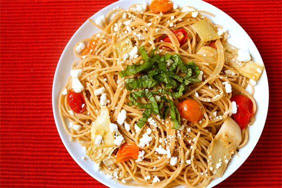 pasta-with-artichokes,-tomatoes-and-feta