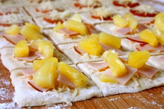 preparing-the-pizza-bites