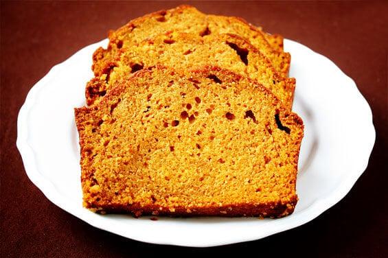 pumpkin-bread-sliced