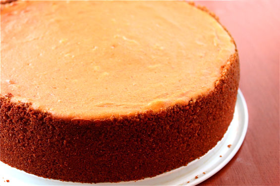pumpkin-cheesecake-whole