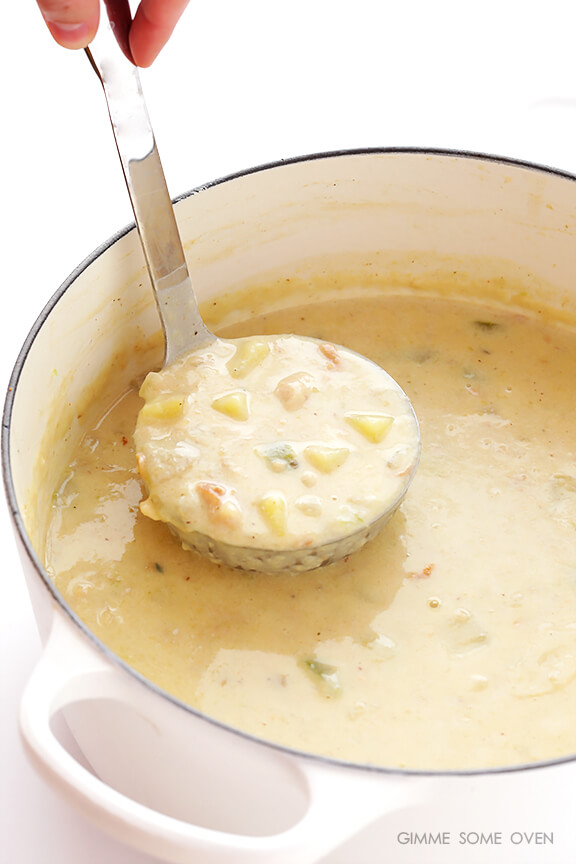Lighter New England Clam Chowder | gimmesomeoven.com