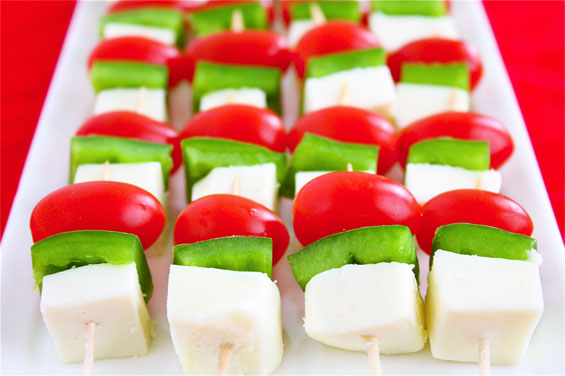 christmas mini skewers tomatoes peppers cheese easy10 mins