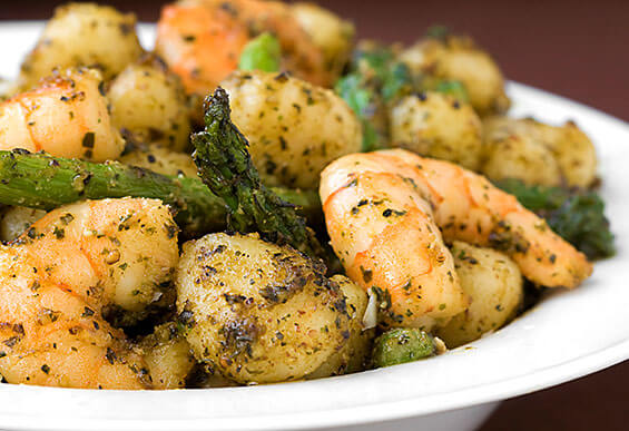 Gnocchi With Shrimp, Asparagus and Pesto