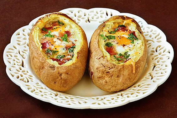 Idaho Sunrise (Baked Eggs and Bacon In Potato Bowls)