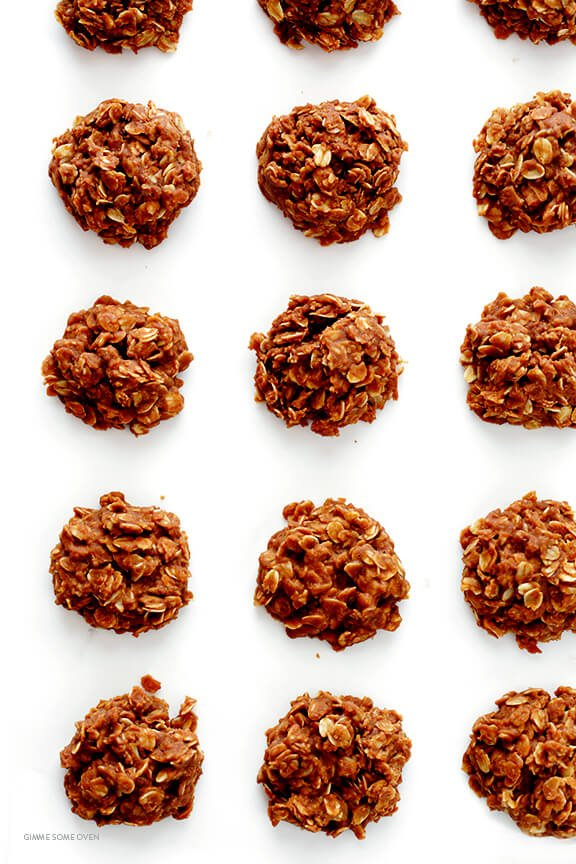 No Bake Cookies Recipe -- quick and easy to make, and as good as ever! | gimmesomeoven.com