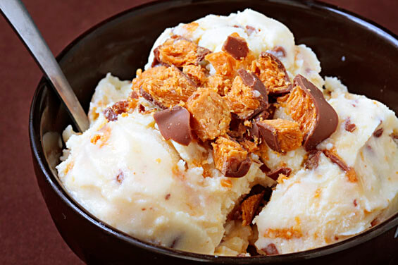 Butterfinger Ice Cream {Gimme Some Oven}