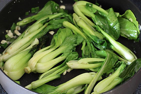 Baby Bok Choy With Cashews | gimmesomeoven.com