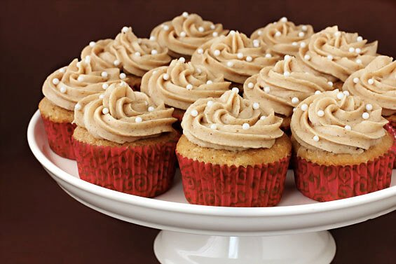 Vanilla Chai Cupcakes {Gimme Some Oven}