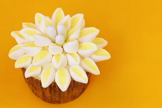 Mum flower cupcakes gimme some oven print recipe mightylinksfo