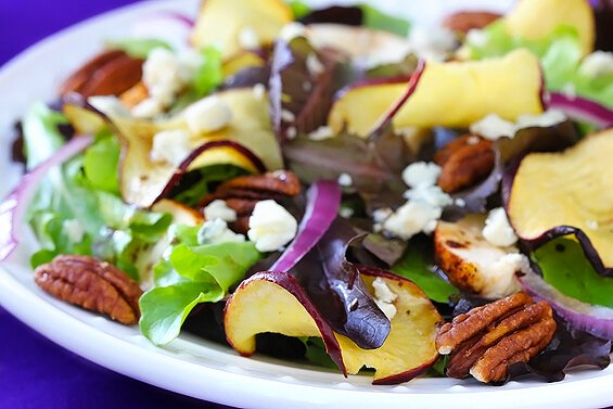 Fuji Apple Chicken Salad (Panera Bread Copycat) | gimmesomeoven.com