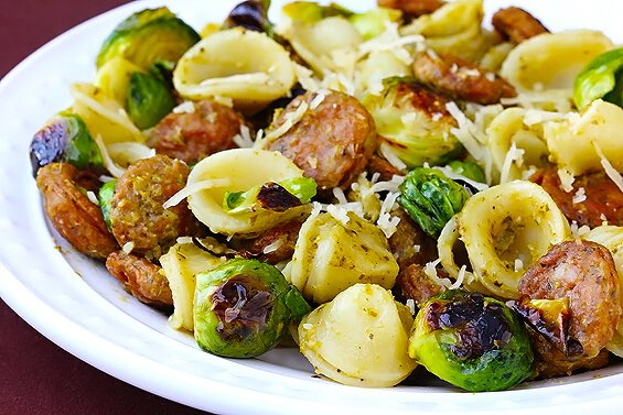 Pesto Pasta with Chicken Sausage & Brussels Sprouts | gimmesomeoven.com