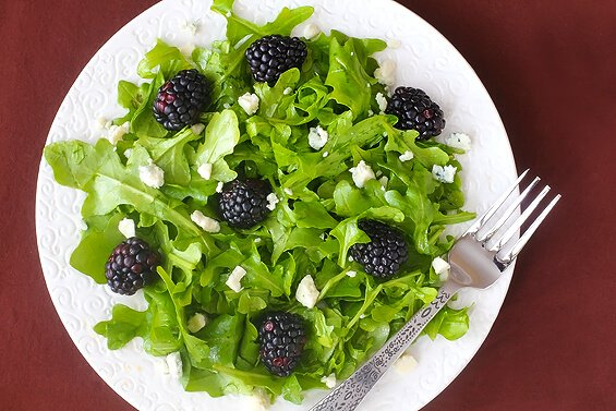 Blackberry Arugula Salad With Citrus Vinaigrette | Gimme Some Oven
