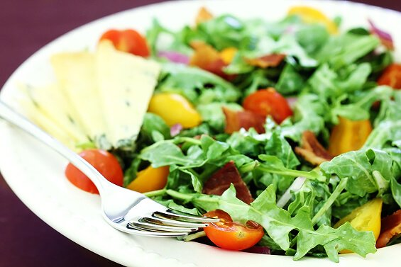 arugula salad with buttermilk dressing
