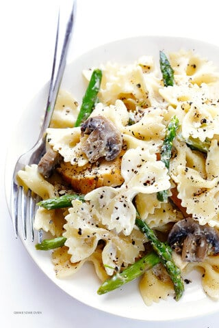 Pasta with Goat Cheese, Chicken, Asparagus & Mushrooms | gimmesomeoven.com
