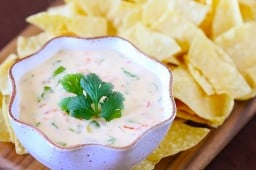 Espinaca Con Queso (Spinach Cheese Dip)