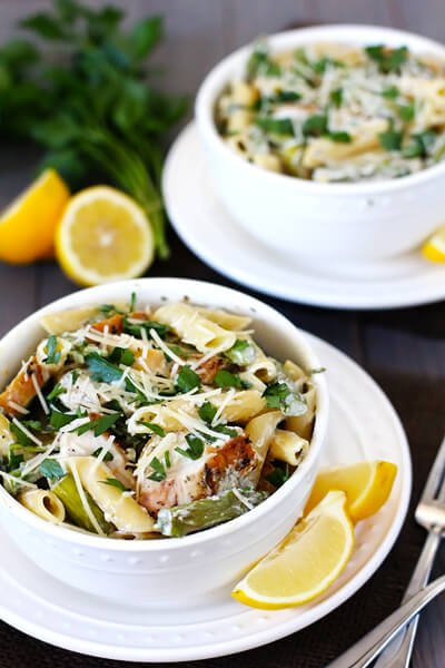 Creamy Lemon Rosemary Pasta with Chicken, Asparagus & Spinach