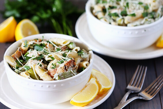 Lemon Rosemary Pasta with Chicken, Asparagus & Spinach | gimmesomeoven ...