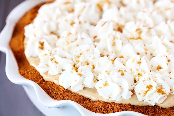 Biscoff Pie {Gimme Some Oven}