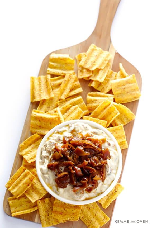 Skinny French Onion Dip | gimmesomeoven.com #appetizer