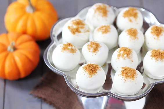 Pumpkin Cream Cheese Truffles {Gimme Some Oven}