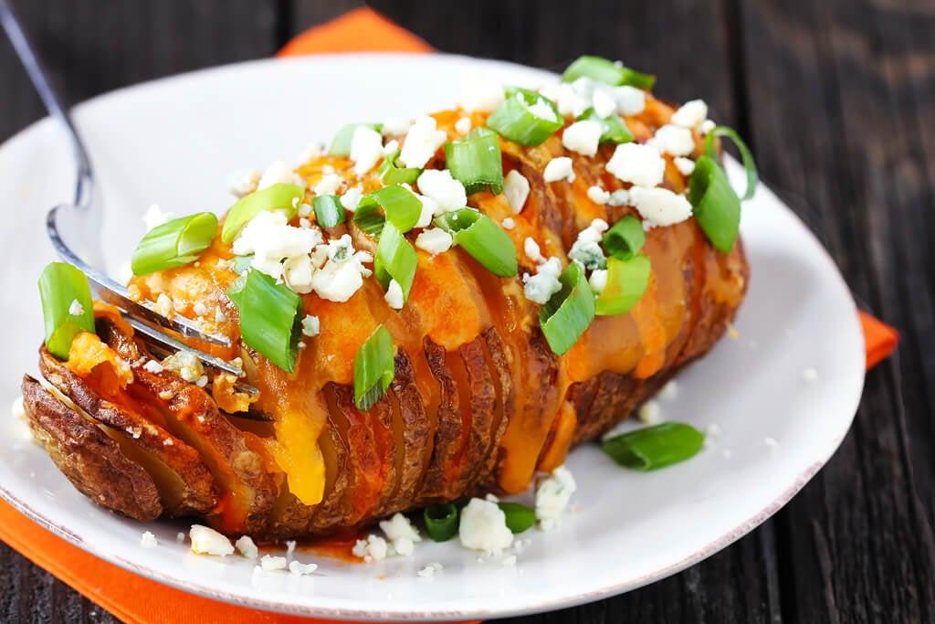Buffalo Hasselback Potatoes | gimmesomeoven.com