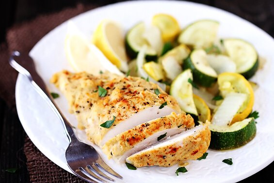 Easy Hummus-Crusted Chicken | gimmesomeoven.com