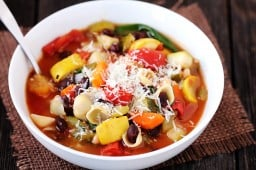 Minestrone Soup {Gimme Some Oven}