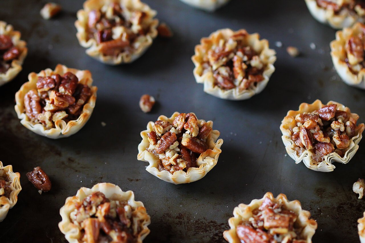 Easy Mini Pecan Tarts | Gimme Some Oven