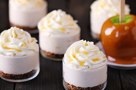 No Bake Caramel Apple Cheesecakes | gimmesomeoven.com