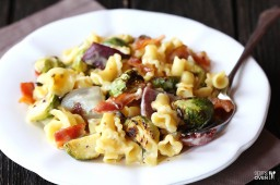 Roasted Brussels Sprouts, Bacon & Pepperjack Macaroni & Cheese {Gimme Some Oven}