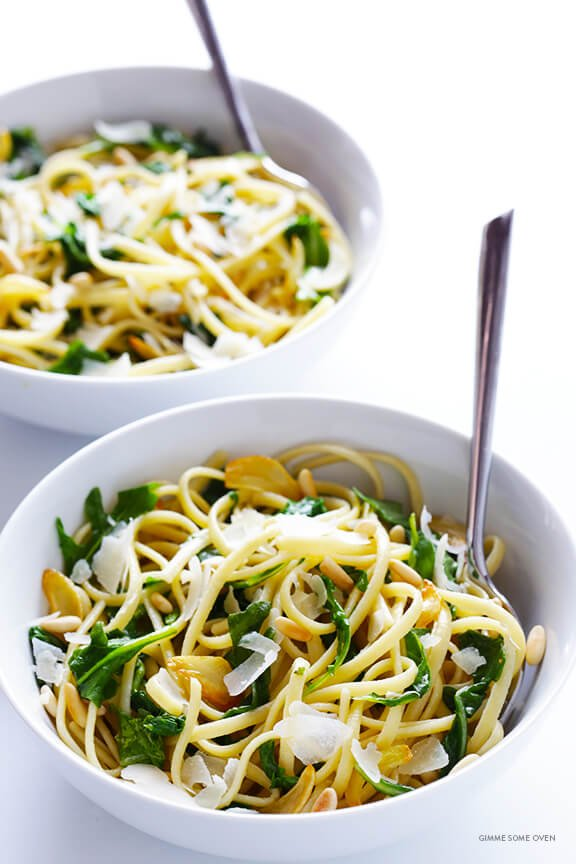 Linguine with Arugula, Garlic and Parmesan | gimmesomeoven.com
