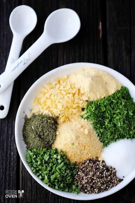 Homemade Ranch Seasoning Mix | gimmesomeoven.com
