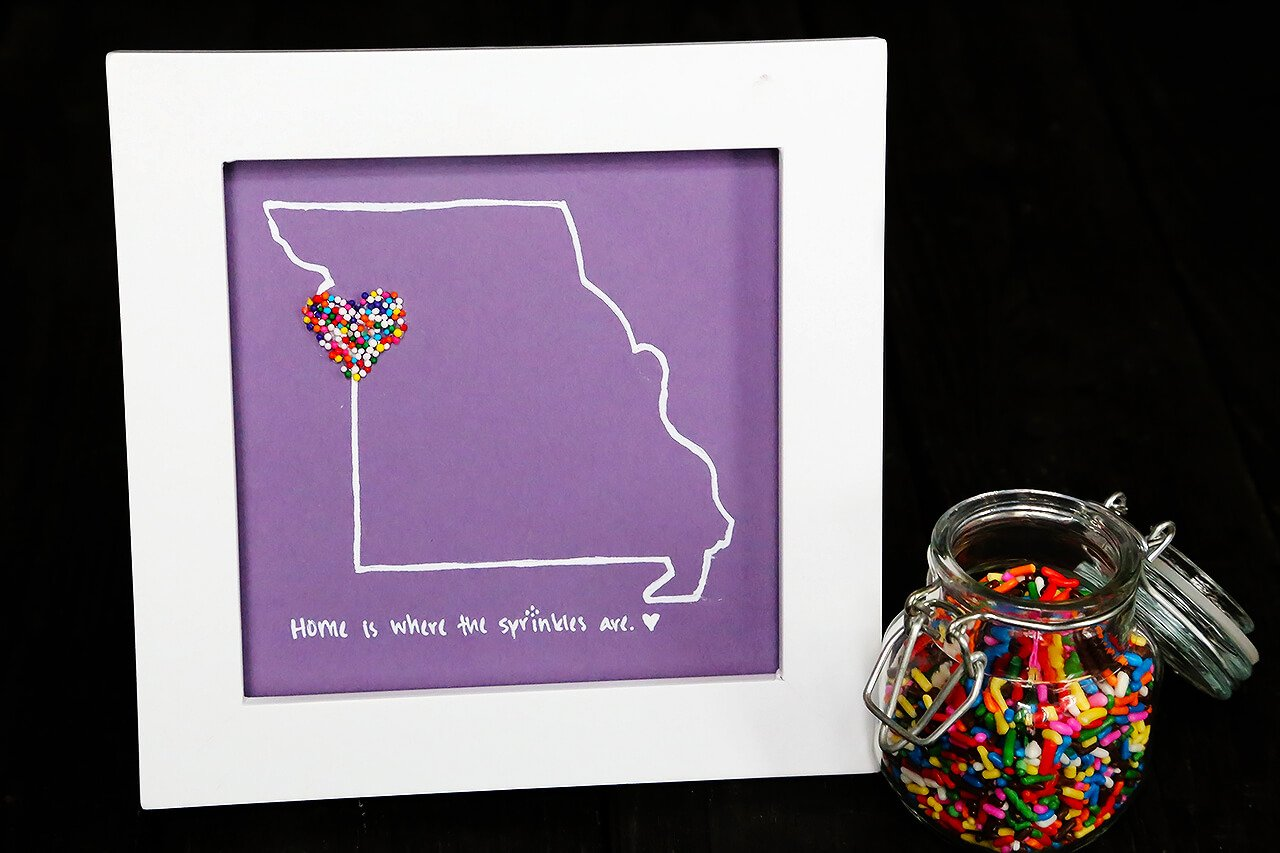 DIY Sprinkles Art | gimmesomeoven.com