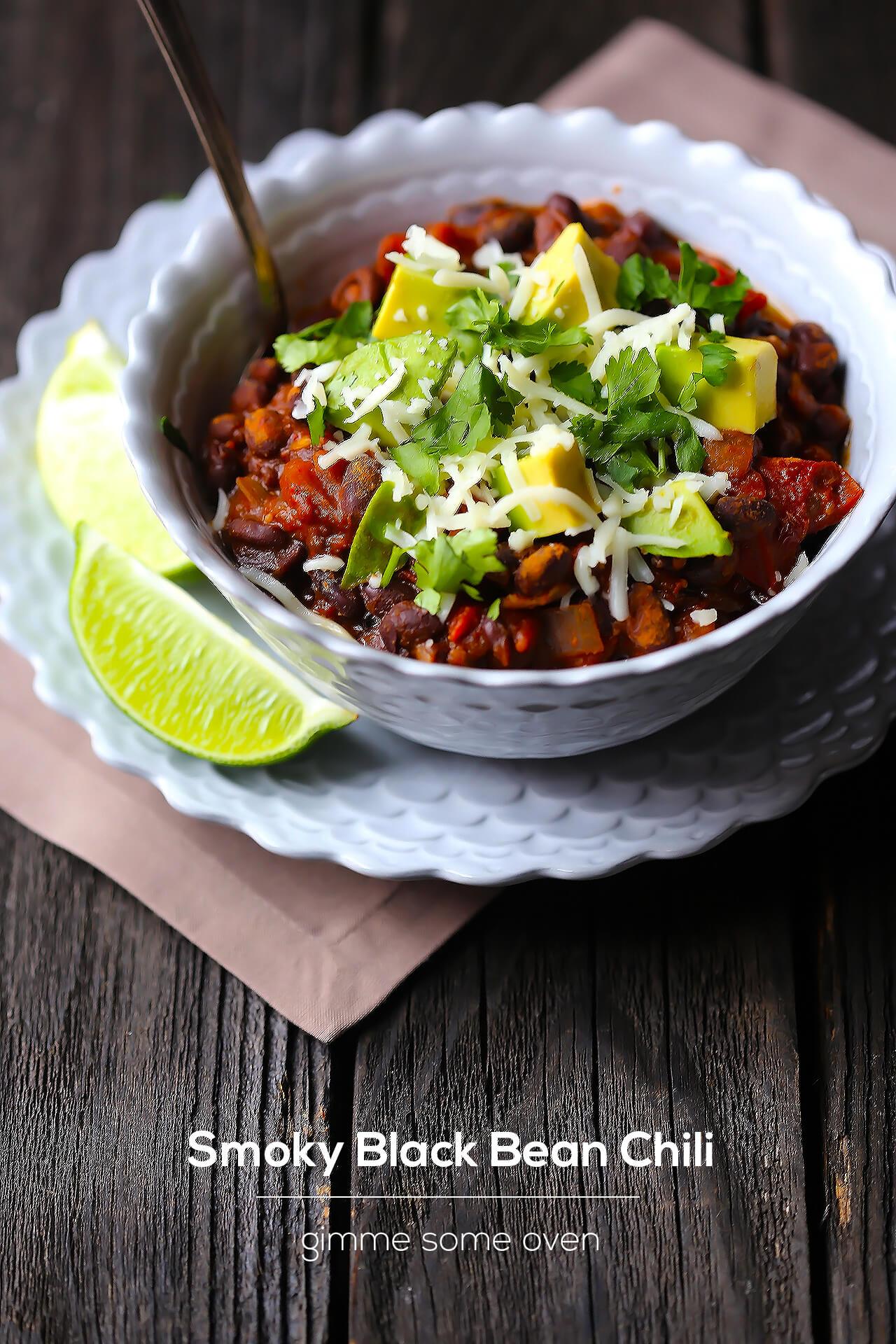 Smoky Black Bean Chili | gimmesomeoven.com
