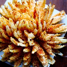 Baked Blooming Onion | gimmesomeoven.com