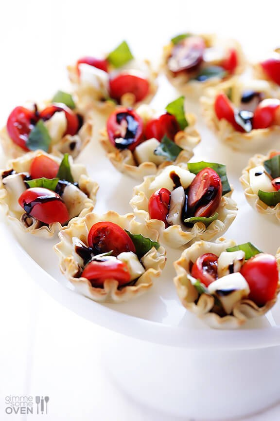 5-INGREDIENT CAPRESE PHYLLO CUPS