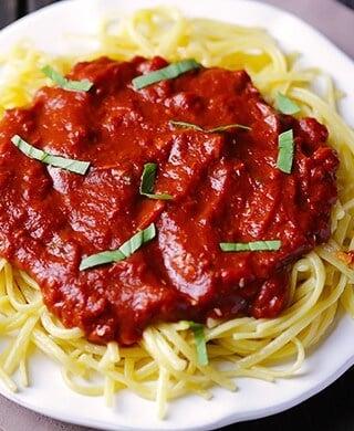 Pasta with Dark Chocolate Marinara Sauce | gimmesomeoven.com