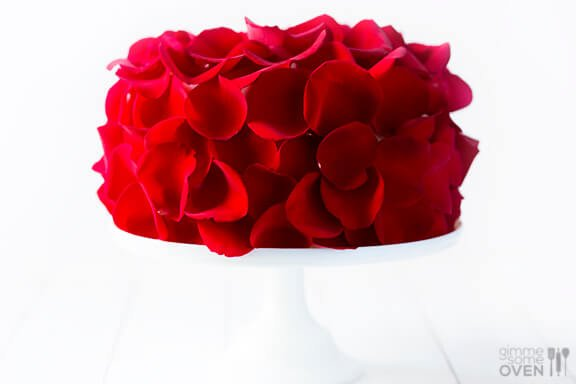Rose Cake Recipe - made with fresh (edible!) roses | gimmesomeoven.com