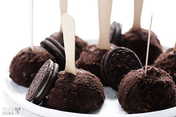 Oreo Ice Cream Truffles Recipe | gimmesomeoven.com #dessert #summer #icecream