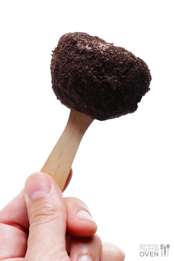 Oreo Ice Cream Truffles Recipe | gimmesomeoven.com #dessert #summer # ...