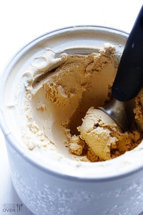 Biscoff Ice Cream Recipe | gimmesomeoven.com