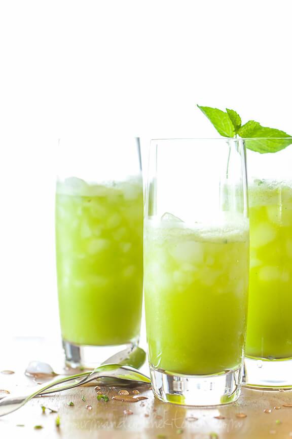 Sparkling Pineapple Mint Juice   gourmandeinthekitchen.com