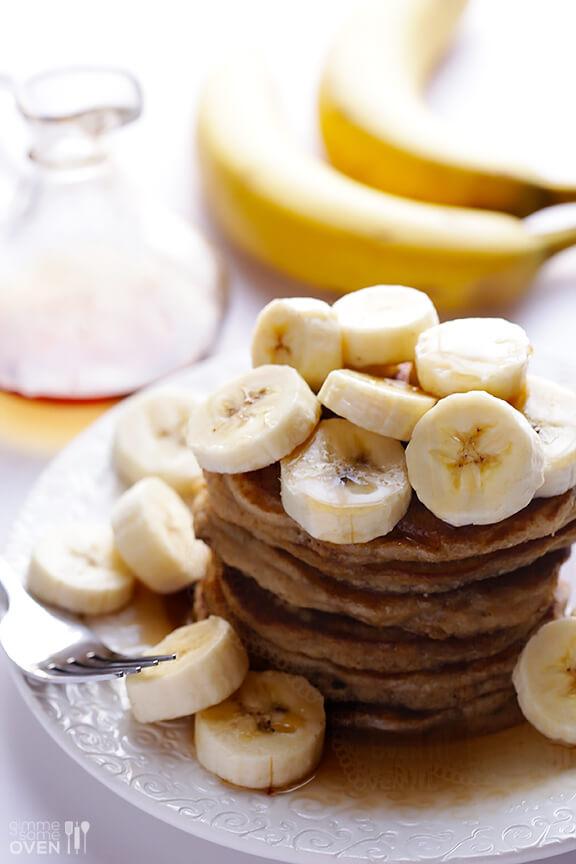 Banana Pancakes Recipe | gimmesomeoven.com