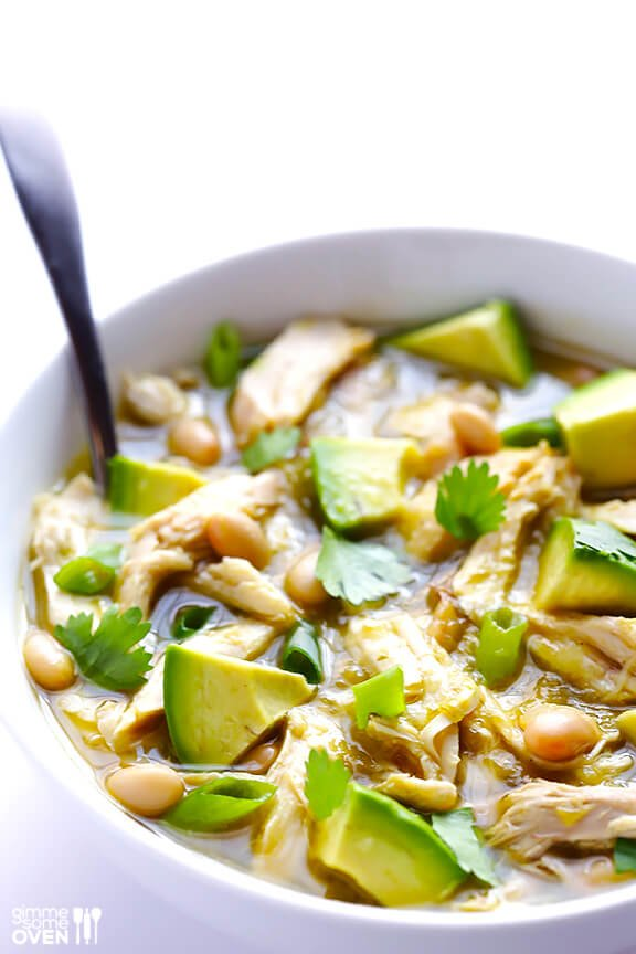 5-Ingredient Green Chicken Chili | gimmesomeoven.com