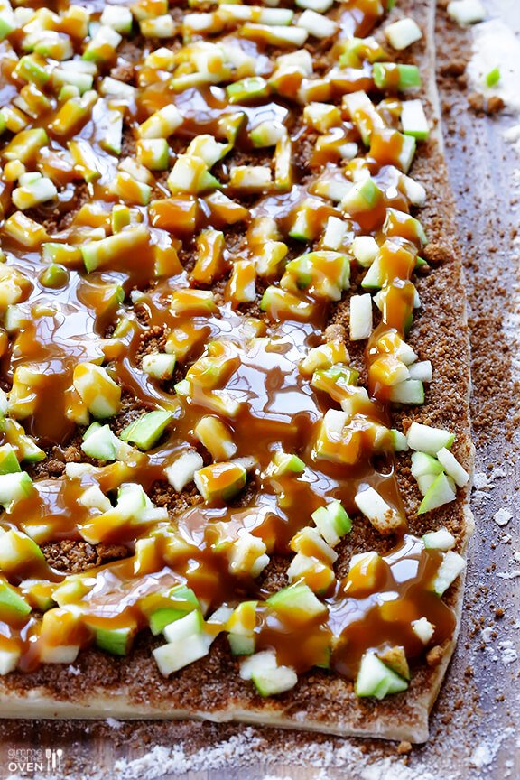 Caramel Apple Cinnamon Rolls | gimmesomeoven.com
