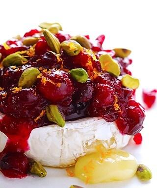 Cranberry Pistachio Baked Brie Recipe | gimmesomeoven.com